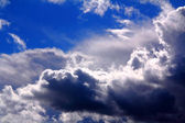 Nubes dramáticas — Foto de Stock