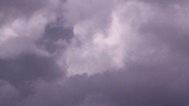 Cupi nuvole — Video Stock