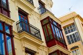 Zabytkowe budynki z koronki frontach hiszpania — Zdjęcie stockowe