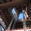 Eiffel tower during maintenance overhaul — Stock Photo