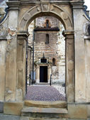 Old doors and the entrance to the historic churches in Krakow — Foto de Stock