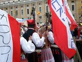 ROME, VATICAN - April 28, 2014: the joy of Polish pilgrims to St — Stock Photo