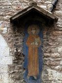 """""""peace and good"""" fragment van een muur van een oud gebouw — Stockfoto"""