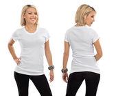 Blonde vrouw met lege witte shirt — Stockfoto
