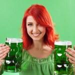 bières tenue verte rousse — Photo #9409275