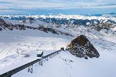 Pistas de inverno com esqui na estância de kaprun — Foto Stock