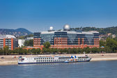 Cruise ship on Danube river shore in Budapest — Stock Photo