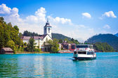 Water bus crossing Wolfgangsee — Stock Photo