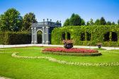 Schonbrunn Palace Gazebo inside a floral garden — Stock Photo