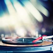 Playing vinyl — Stock Photo
