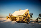 Abandon home in winter — Foto Stock