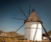 Wiatrak w hiszpanii — Zdjęcie stockowe