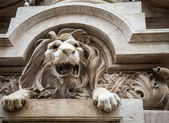 Lion statue lisbon — Stock Photo