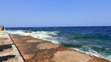 Küste des Meeres — Stockvideo