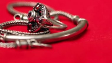 Silver ring and chain — ストックビデオ