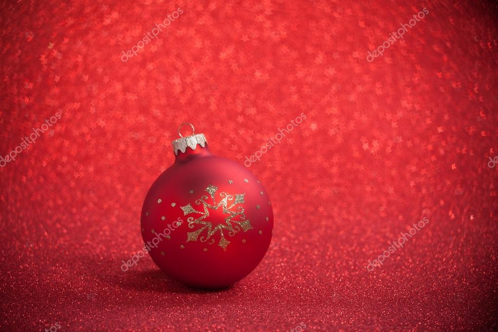 Christmas ball on a beautiful background with shallow depth of field — Stock Photo #16940195