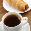 Coffee and hot dog — Stock Photo