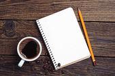 Cuaderno y café — Stockfoto