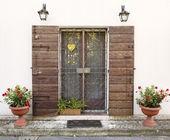 Vintage style house entrance — Stock Photo