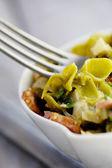 Pasta verde con verduras — Foto de Stock