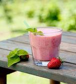 Strawberry fruit drink — Stock Photo