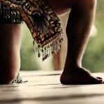 Traditional Mayan Dancer Performing a Tribal Ritual — Stock Photo