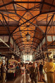 Tourist visiting the famous San Miguel Market in Madrid, Spain — Stock Photo