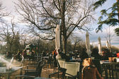 MADRID - JANUARY 25: People enjoy a sunny winter day in Retiro P — Stock Photo