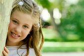 Mädchen in ihren ersten kommunion-tag — Stockfoto