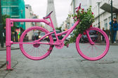 Pink Bicycle Gate in Reykjavik Streets — Zdjęcie stockowe