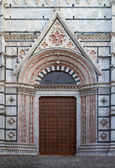 Entrance of Cathedral of Siena, Tuscany, Italy — Stock Photo