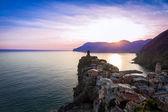 Vernazza antes do pôr do sol, cinque terre, itália — Fotografia Stock