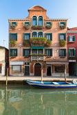 Palazzo with flowers, Venice, Italy — Stock Photo
