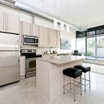 condo moderne cuisine et salon — Photo