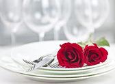 Romantic restaurant dinner setting — Stock Photo