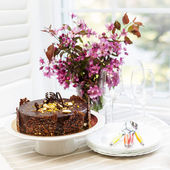 Chocolate cake with flowers — Foto Stock