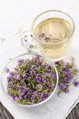 Fresh thyme tea — Stock Photo