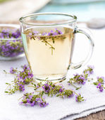 Fresh thyme tea — Stock Photo
