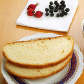 White bread and dried berries — Stock Photo