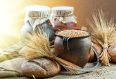 Grain and bread — Stock Photo