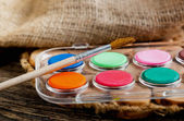 塗料とブラシ — ストック写真