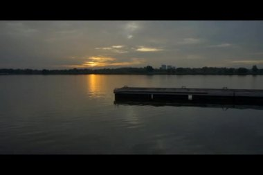 Time lapse sunset at Putrajaya Lake — Stock Video