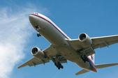 Boeing 777-2H6(ER)  Ready for Landing — Stock Photo