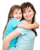 Ritratto di una madre felice con la figlia — Foto Stock