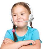 Jong meisje werkt als een operator op hulplijn — Stockfoto