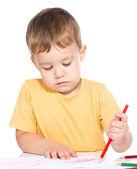小さな男の子は、色の鉛筆を使用して描画します。 — ストック写真