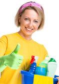 Ung kvinna som piga rengöring — Stockfoto