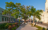 Jose Marti park near Sacred Heart of Jesus Cathedral at Camaguey — Stock Photo