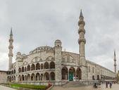 Blue mosque under heavy sky — Stock Photo