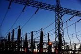 Elektriska transformatorstation siluett — Stockfoto